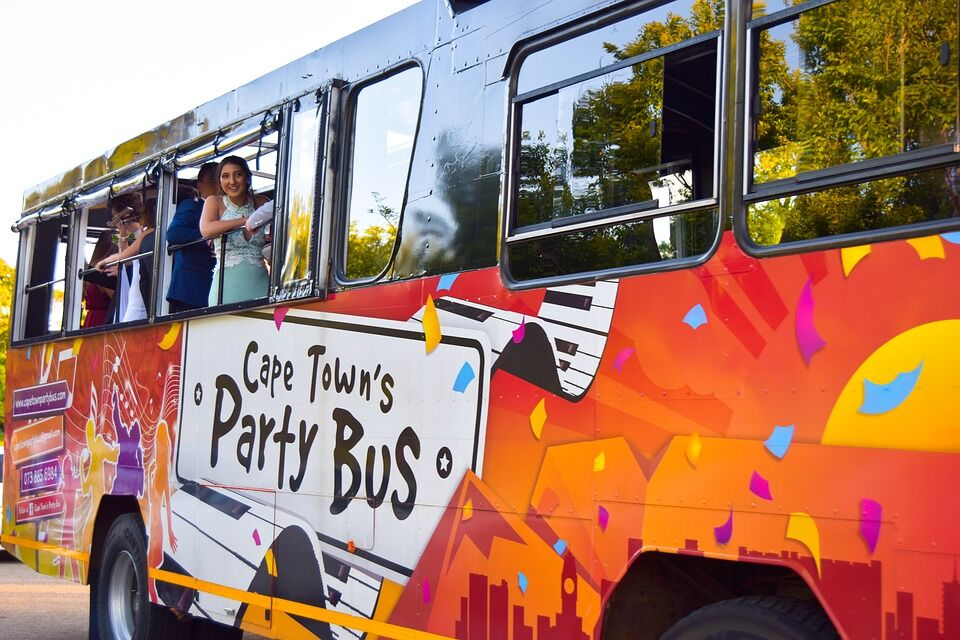 Reasons to Hire a Party Bus